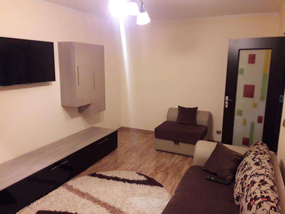 apartament 3 camere de inchiriat, cart. Decebal, Oradea