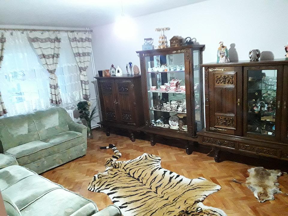 apartament 4 camere de vanzare cart. Rogerius, Oradea