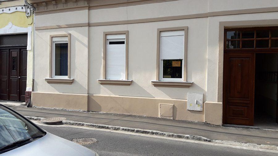 apartament-4-camere-de-vanzare-la-casa-zona-centrala-Oradea-AP75