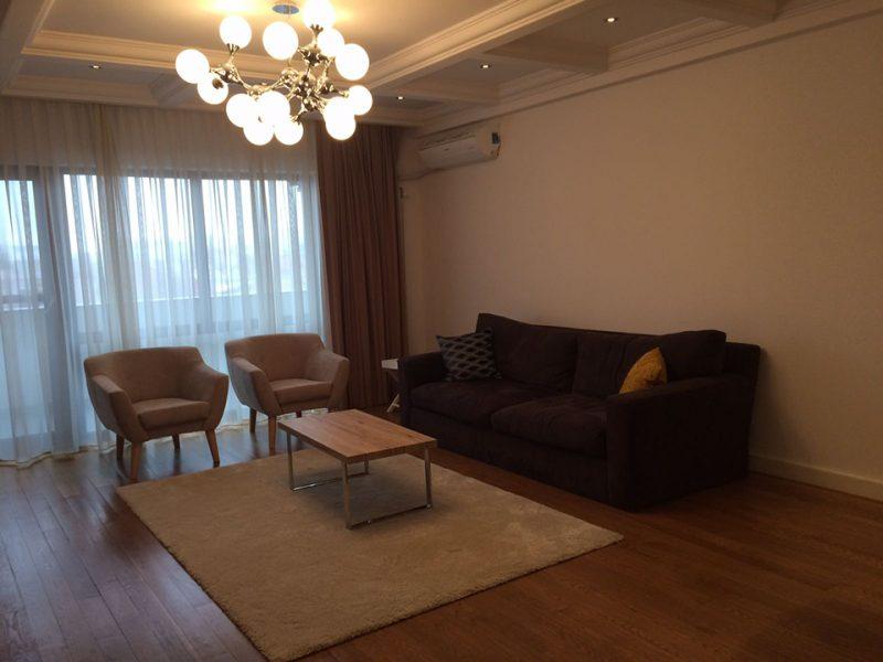 apartament-3-camere-de-inchiriat-ultracentral-Oradea-AP129